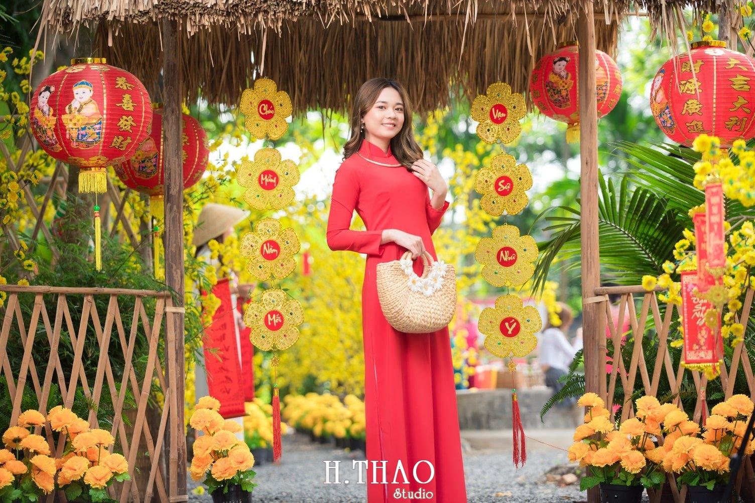 Ao dai tet do 17 - Top 40 ảnh áo dài chụp với Hoa đào, hoa mai tết tuyệt đẹp- HThao Studio