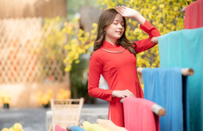 Ao dai tet do 2 680x438 - Home