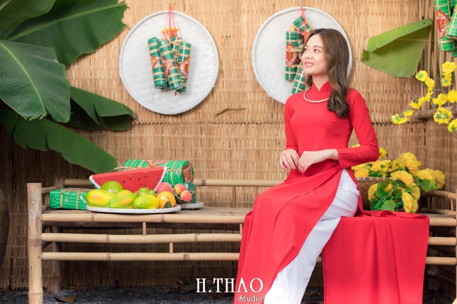 Ao dai tet do 7 - Top 40 ảnh áo dài chụp với Hoa đào, hoa mai tết tuyệt đẹp- HThao Studio