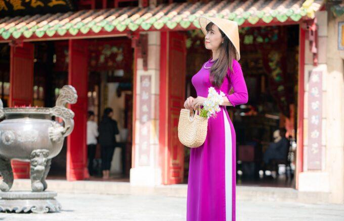 Ao dai viet nam 12 680x438 - Báo giá chụp hình hoa phượng trọn gói - HThao Studio