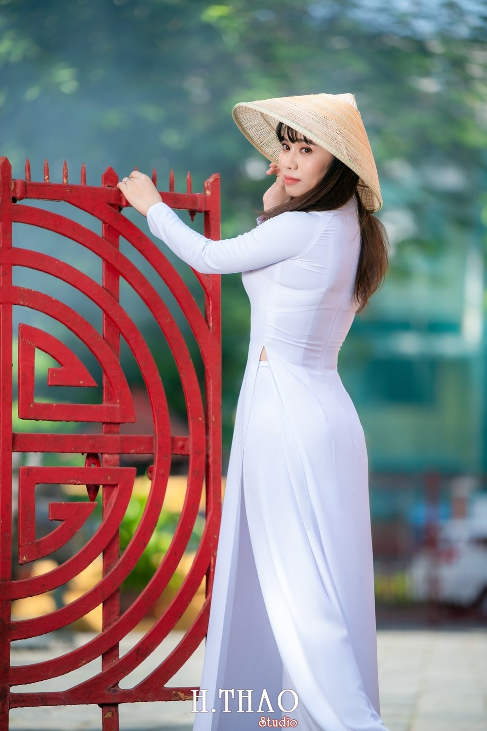 Ao dai viet nam 6 - Album áo dài tím, áo dài trắng thướt tha trong gió - HThao Studio