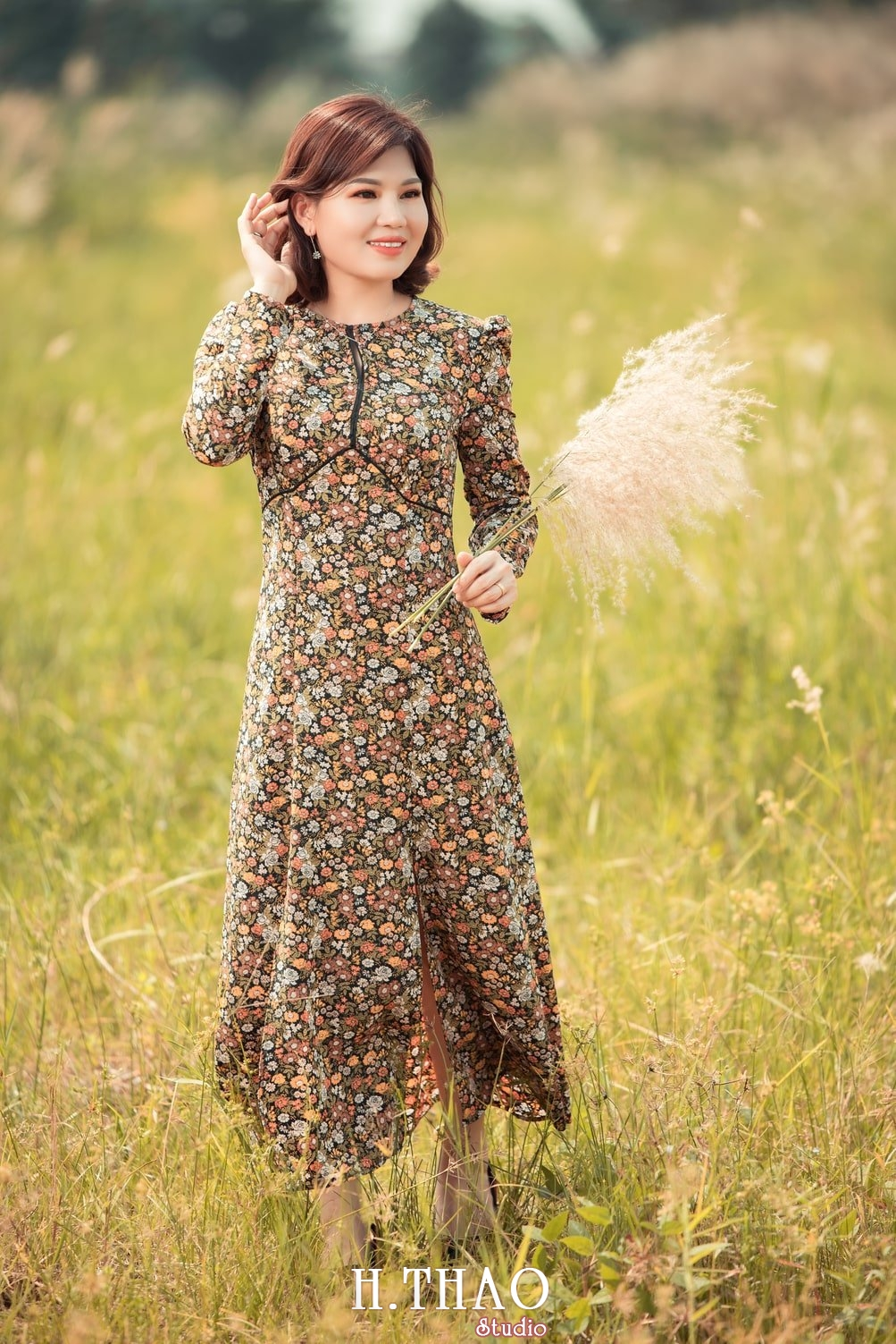 Canh Dong Co Lau 11 - Chụp ảnh với cánh đồng cỏ lau quận 9 tuyệt đẹp - HThao Studio