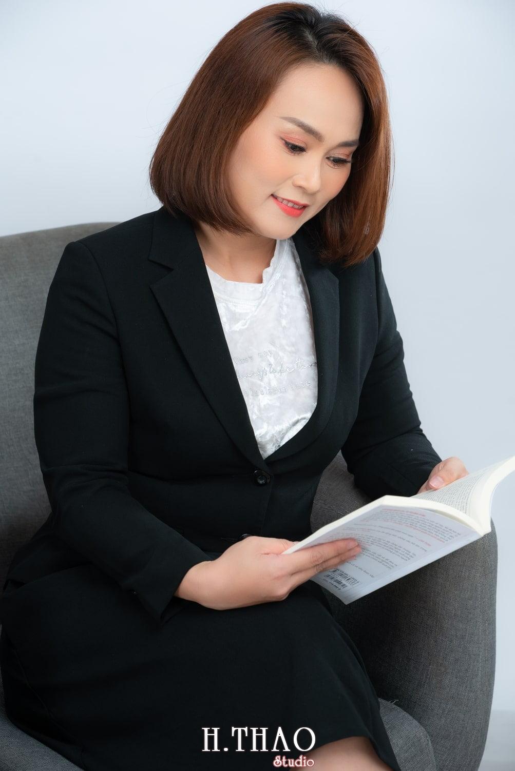 Chi Kim 3 - Album ảnh doanh nhân nữ: chị Kim đẹp nhẹ nhàng - HThao Studio