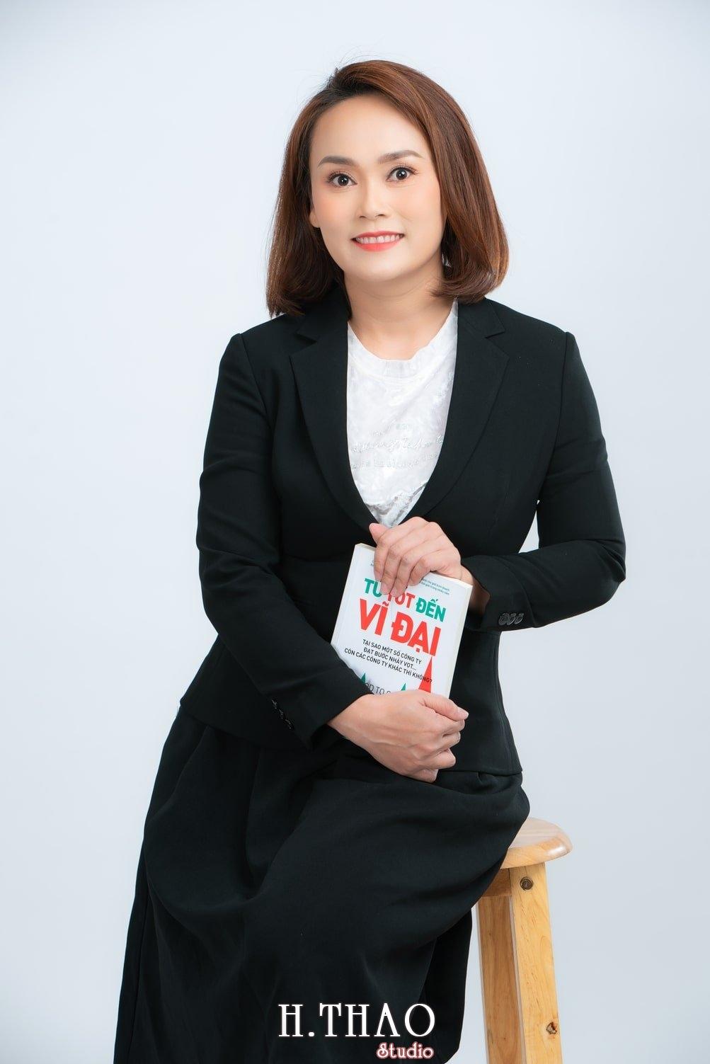 Chi Kim 7 - Album ảnh doanh nhân nữ: chị Kim đẹp nhẹ nhàng - HThao Studio