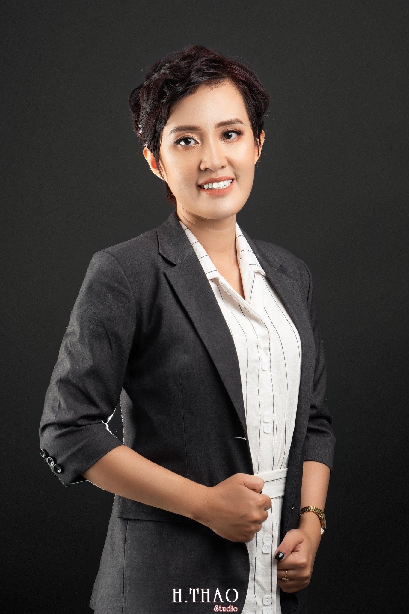 Chi Kim Chi 1 min - Album nữ doanh nhân cá tính Kim Chi nét đẹp lai tây - HThao Studio