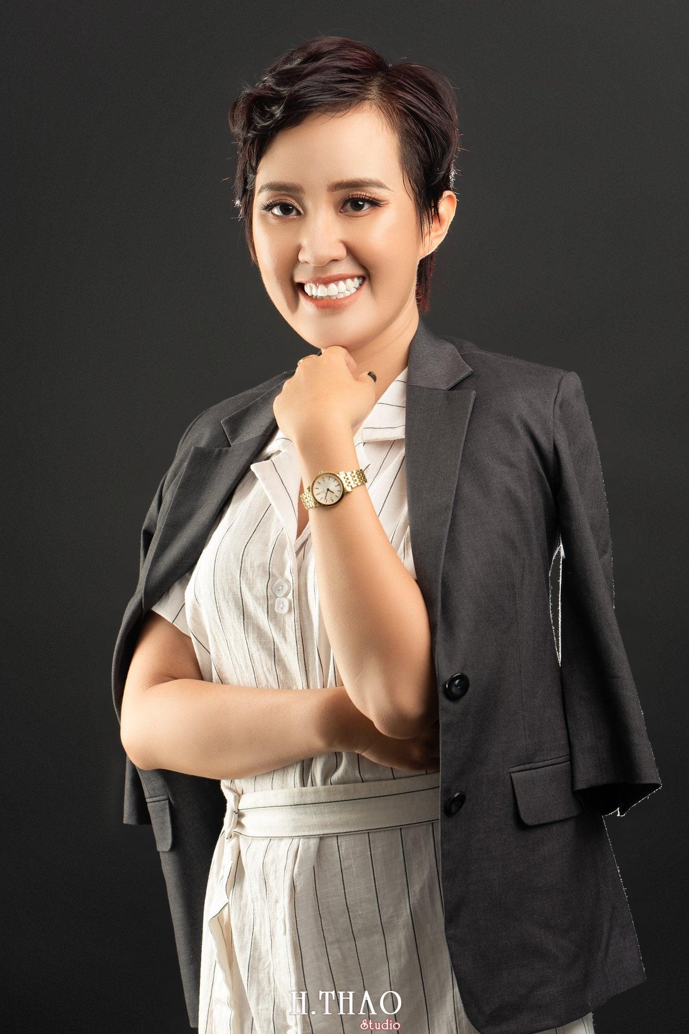 Chi Kim Chi 2 min - Album nữ doanh nhân cá tính Kim Chi nét đẹp lai tây - HThao Studio