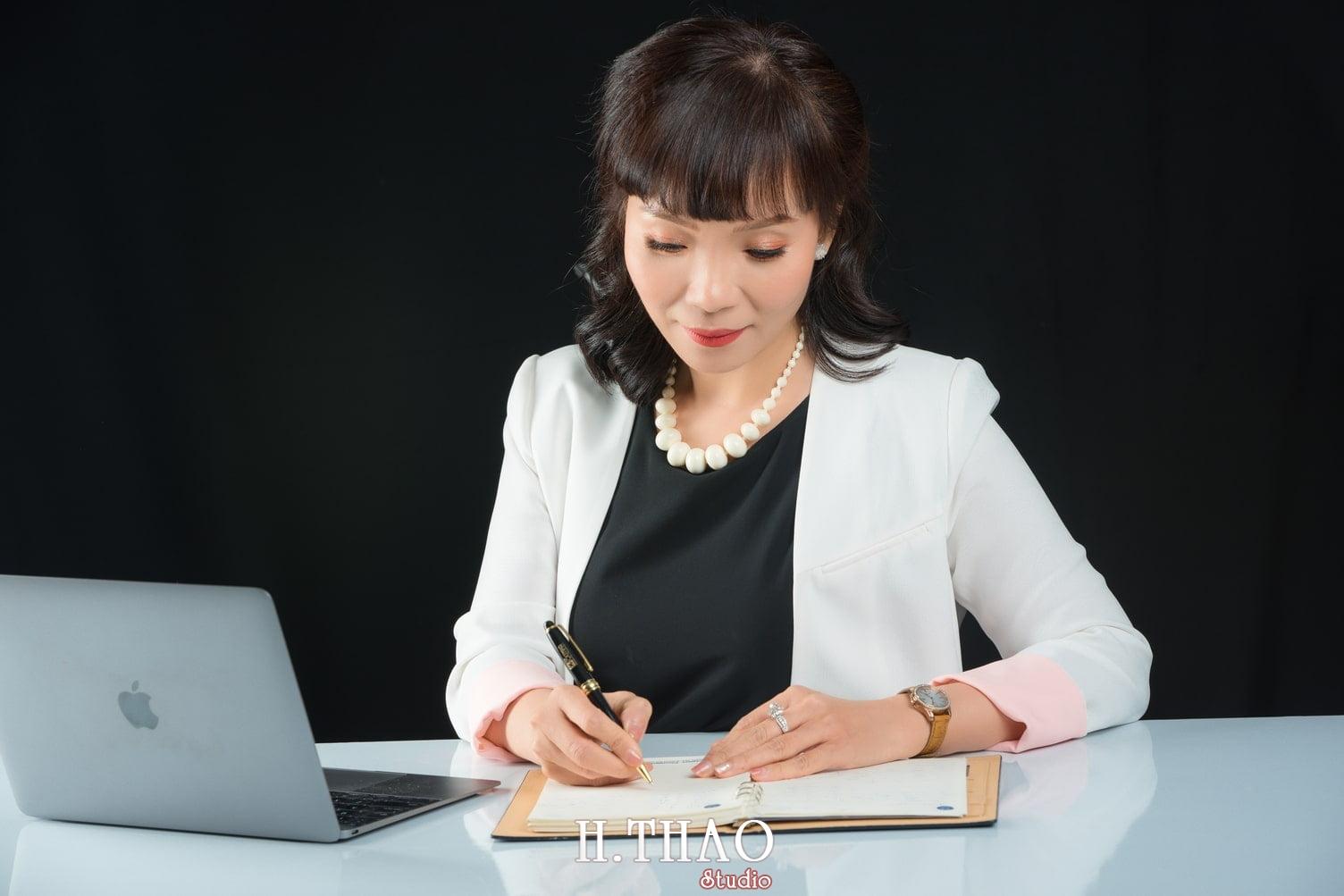 Chi Quynh 11 - Bộ ảnh Doanh nhân, Tiến sĩ V.T.B Quỳnh đẹp, sang trọng - HThao Studio