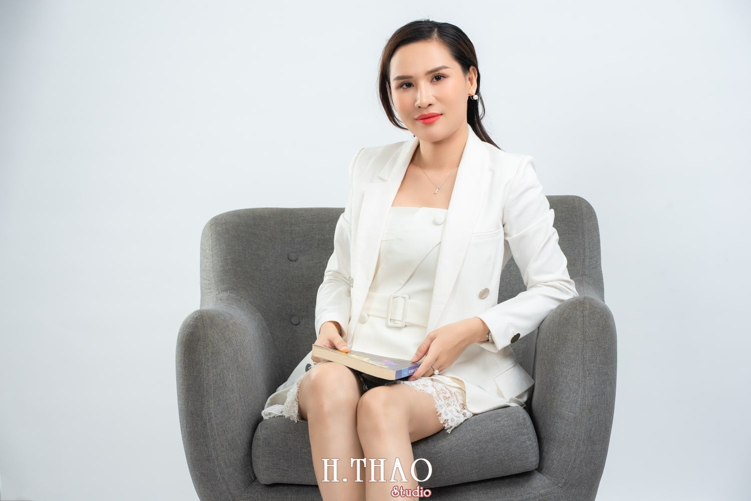 Doanh nhan nu 15 - Ảnh nữ doanh nhân bất động sản, phó TGĐ Express Ms.Nho – HThao Studio