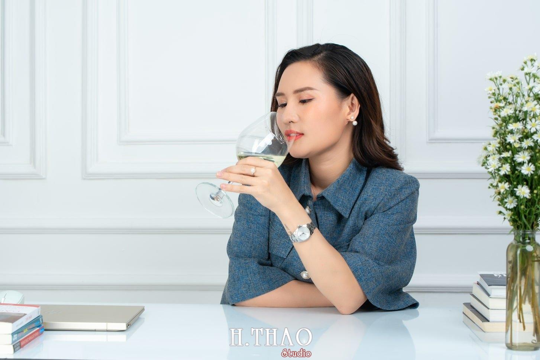 Doanh nhan nu 9 - Ảnh nữ doanh nhân bất động sản, phó TGĐ Express Ms.Nho – HThao Studio