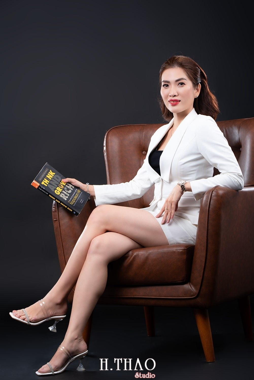 Doanh nhan nu dep 12 - Báo giá chụp ảnh doanh nhân