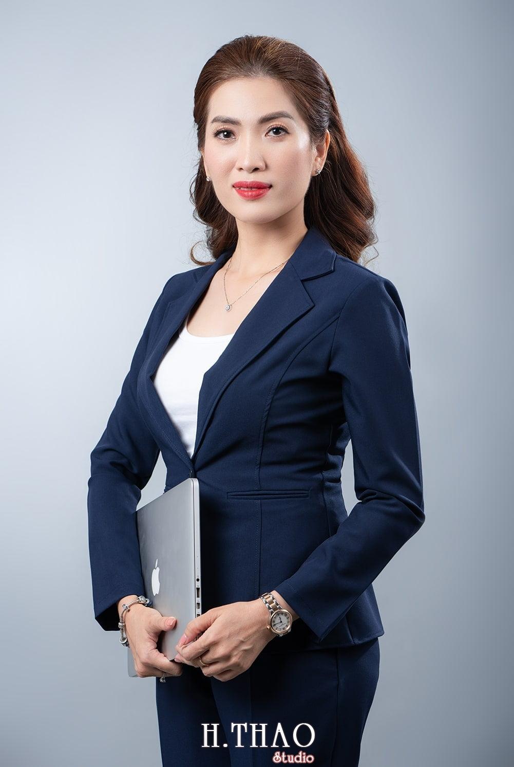 Doanh nhan nu dep 16 - Báo giá chụp ảnh doanh nhân