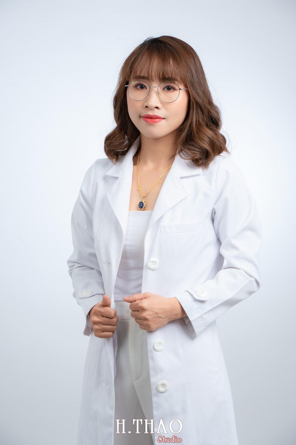 Profile bac si nu 3 - Studio chụp ảnh thương hiệu cá nhân đẹp, chuyên nghiệp tại Tp.HCM