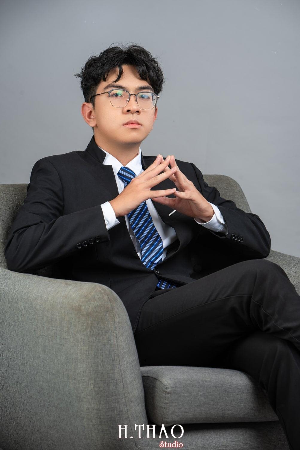 Profile wefinex 1 - 49 cách tạo dáng chụp ảnh profile đẹp, chuyên nghiệp nhất- HThao Studio