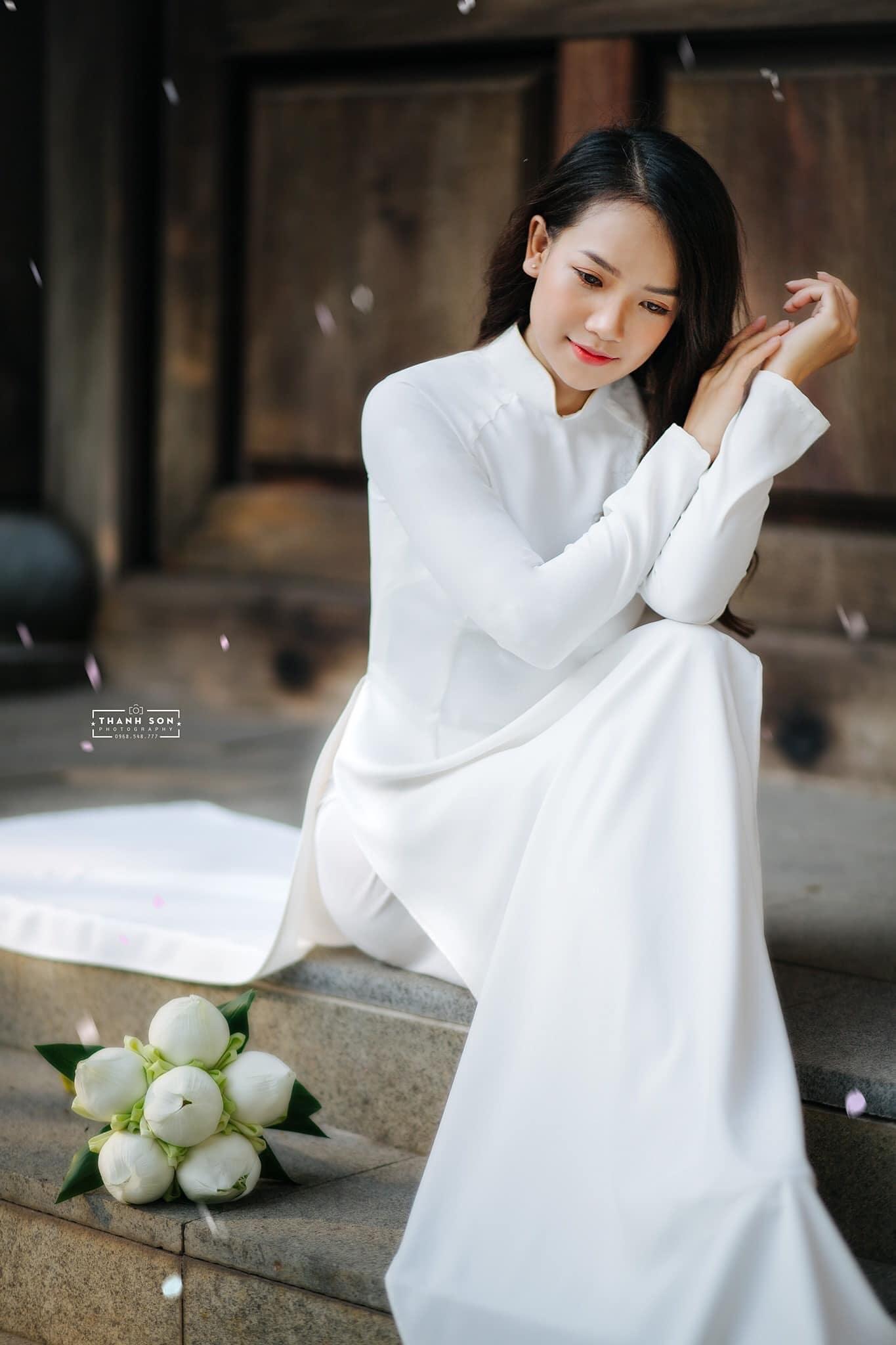 Tao dang voi ao dai 7 - 49 cách tạo dáng chụp ảnh với áo dài tuyệt đẹp - HThao Studio