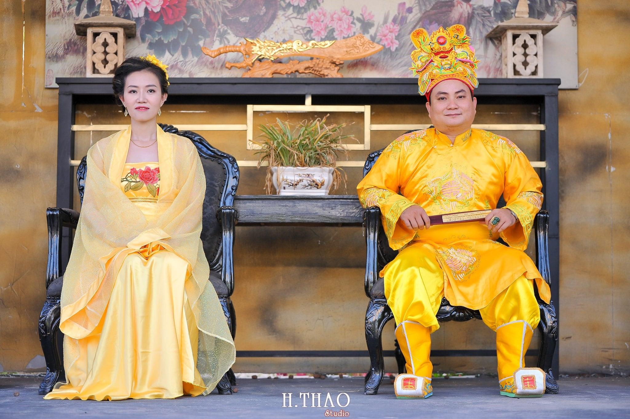 Anh co trang vua va hoang hau 1 - Báo giá chụp ảnh cổ trang đẹp độc lạ tại Tp.HCM - HThao Studio