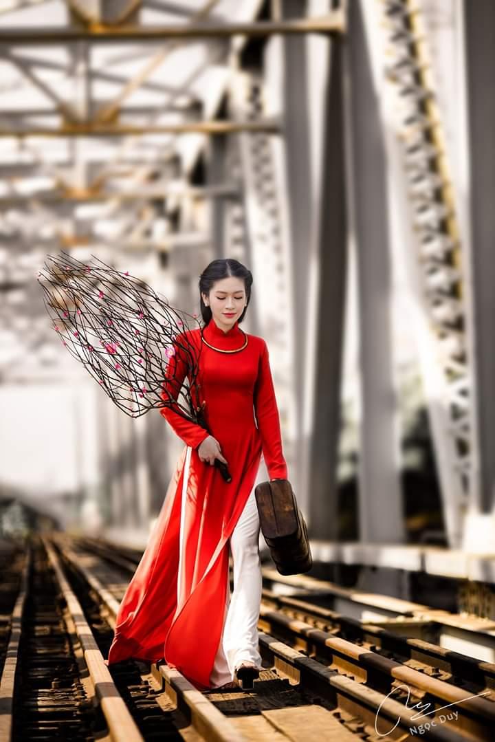 tao dang chup anh ao dai 2 - 49 cách tạo dáng chụp ảnh với áo dài tuyệt đẹp - HThao Studio
