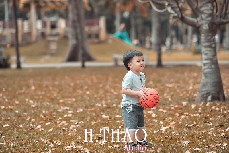 chụp ảnh bé ở công viên