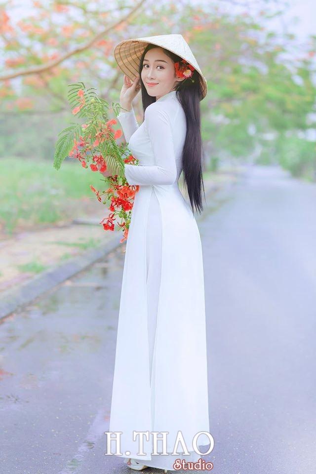 Ao dai be Oanh 1 min - Dịch vụ cho thuê áo dài chụp hình nhiều mẫu mã đẹp tại Tp.HCM