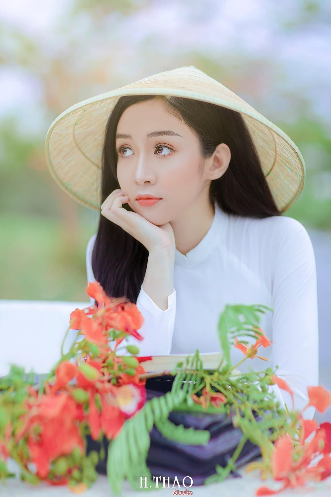 Ao dai be Oanh 2 min - Dịch vụ cho thuê áo dài chụp hình nhiều mẫu mã đẹp tại Tp.HCM