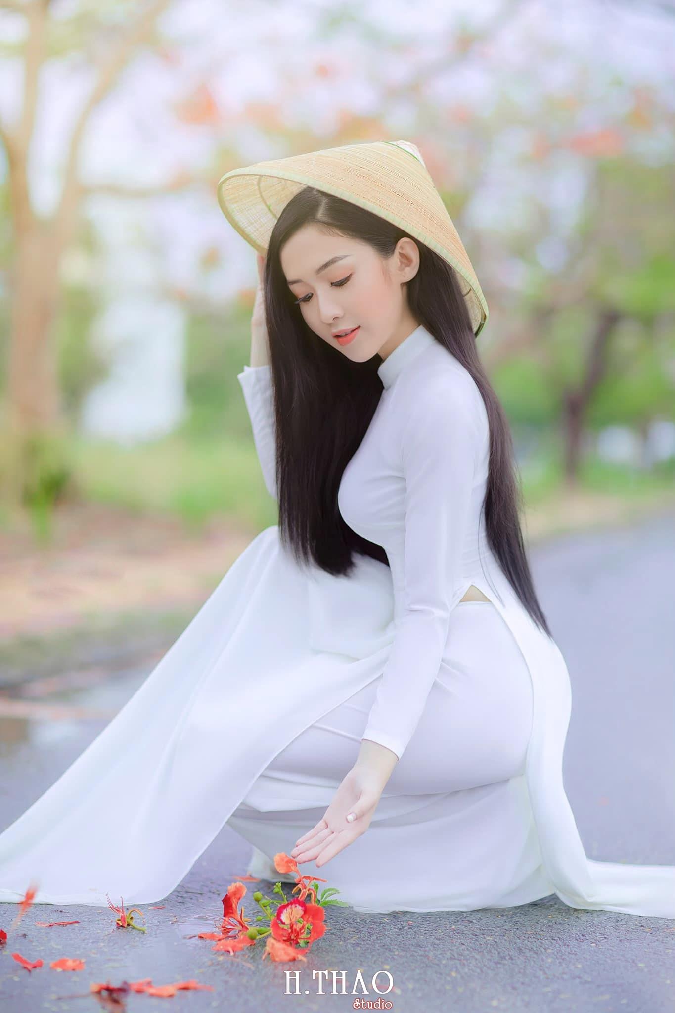 Ao dai be Oanh 3 min - Dịch vụ cho thuê áo dài chụp hình nhiều mẫu mã đẹp tại Tp.HCM
