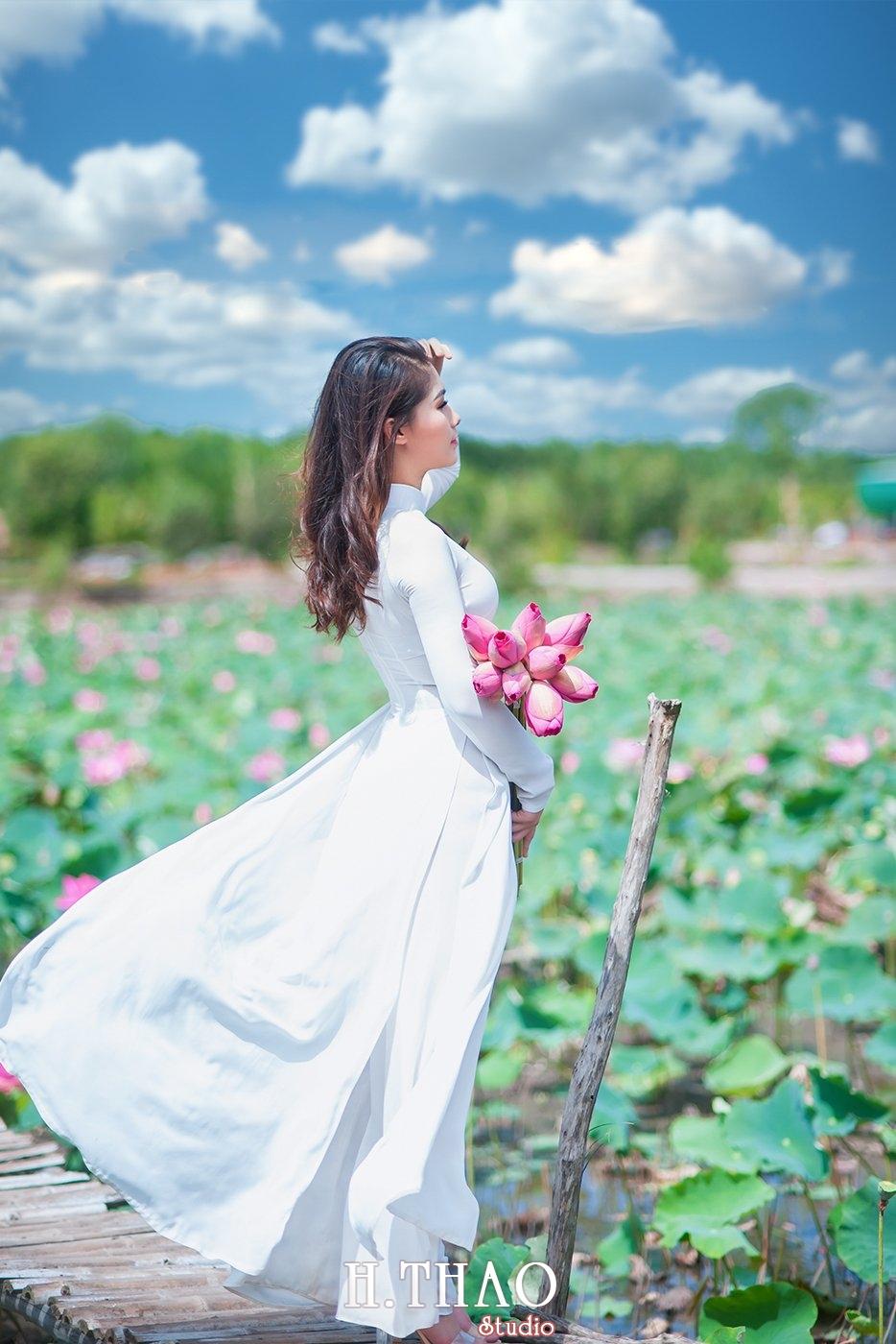 DSC 8986 - Tháng 6, chụp hình với hoa sen tại Tam đa quận 9 – Tp.HCM