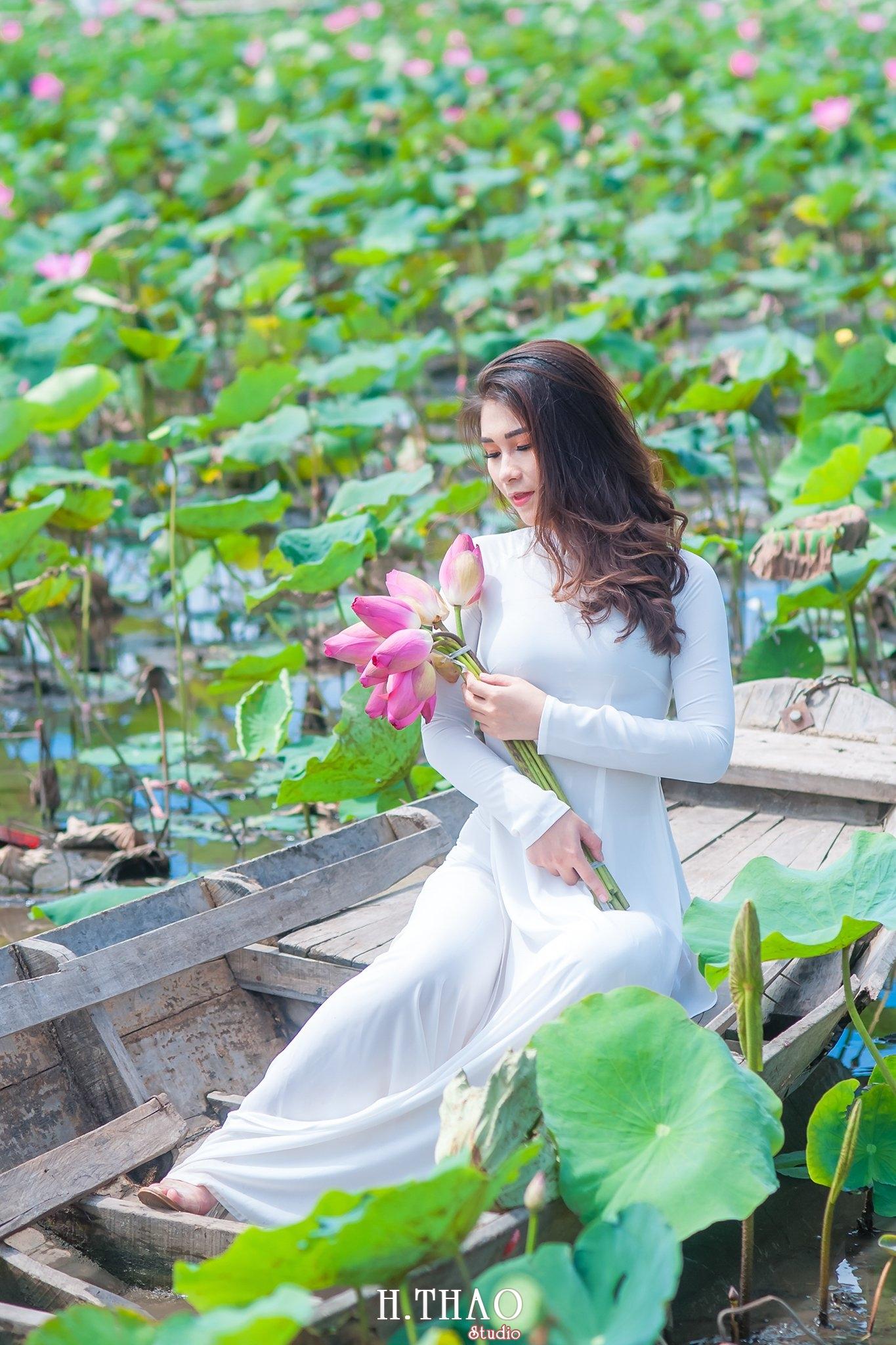 DSC 9024 - Tháng 6, chụp hình với hoa sen tại Tam đa quận 9 – Tp.HCM