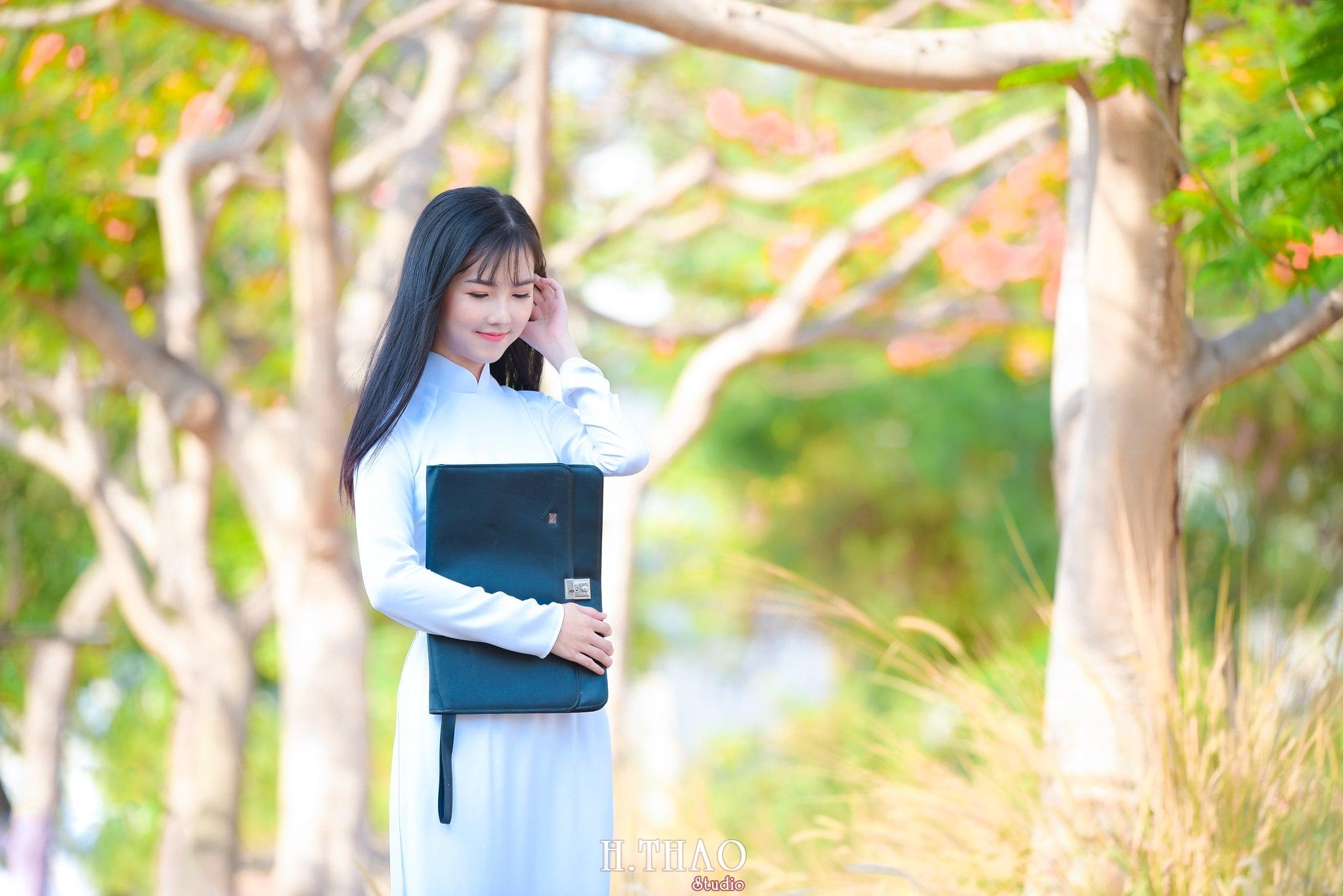 ao dai quan 2 21 - Báo giá chụp ảnh áo dài trọn gói tại Tp.HCM - HThao Studio