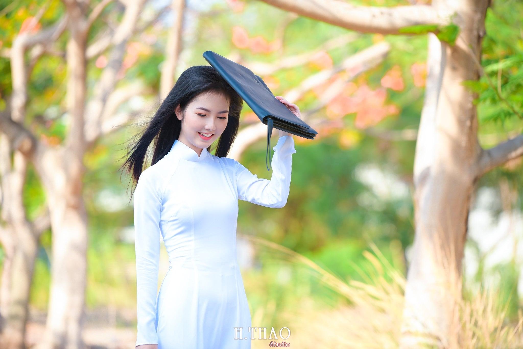 ao dai quan 2 23 - Báo giá chụp ảnh áo dài trọn gói tại Tp.HCM - HThao Studio