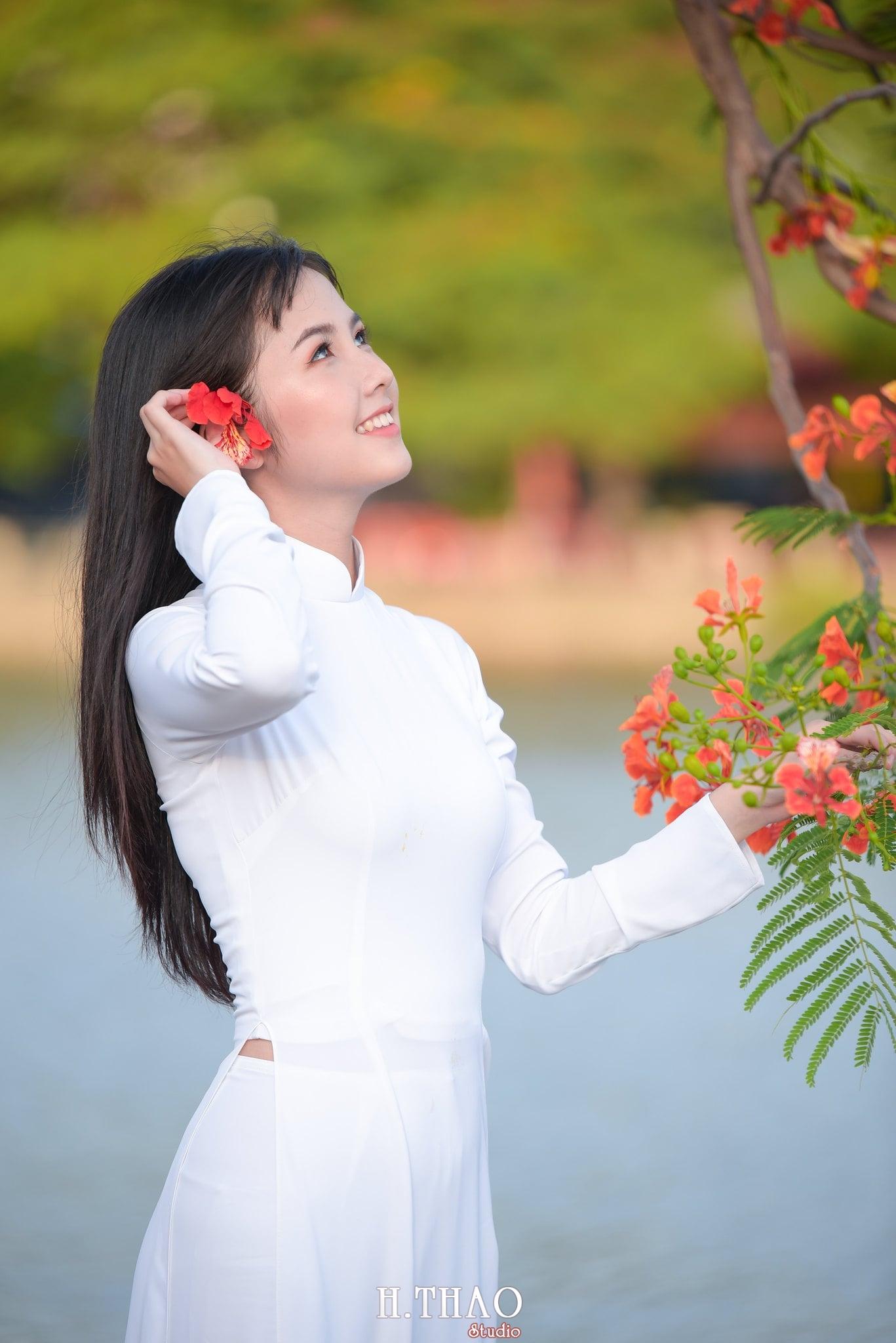 ao dai quan 2 4 - Bộ hình nữ sinh chụp với hoa phượng ở Sài Gòn tuyệt đẹp – HThao Studio