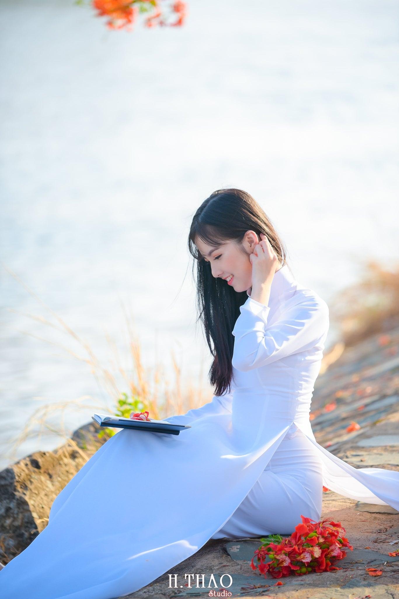 ao dai quan 2 8 - 49 cách tạo dáng chụp ảnh với áo dài tuyệt đẹp - HThao Studio
