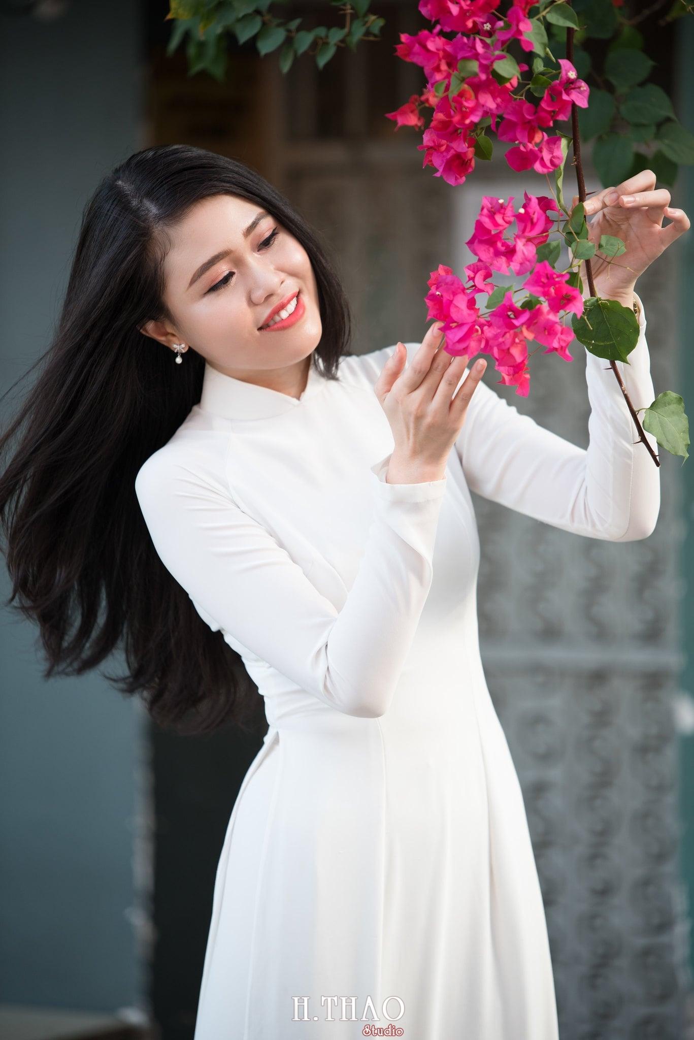 nu sinh ao dai dep - 49 cách tạo dáng chụp ảnh với áo dài tuyệt đẹp - HThao Studio