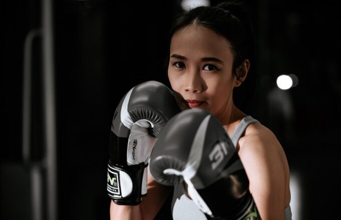 anh co gai danh boxing