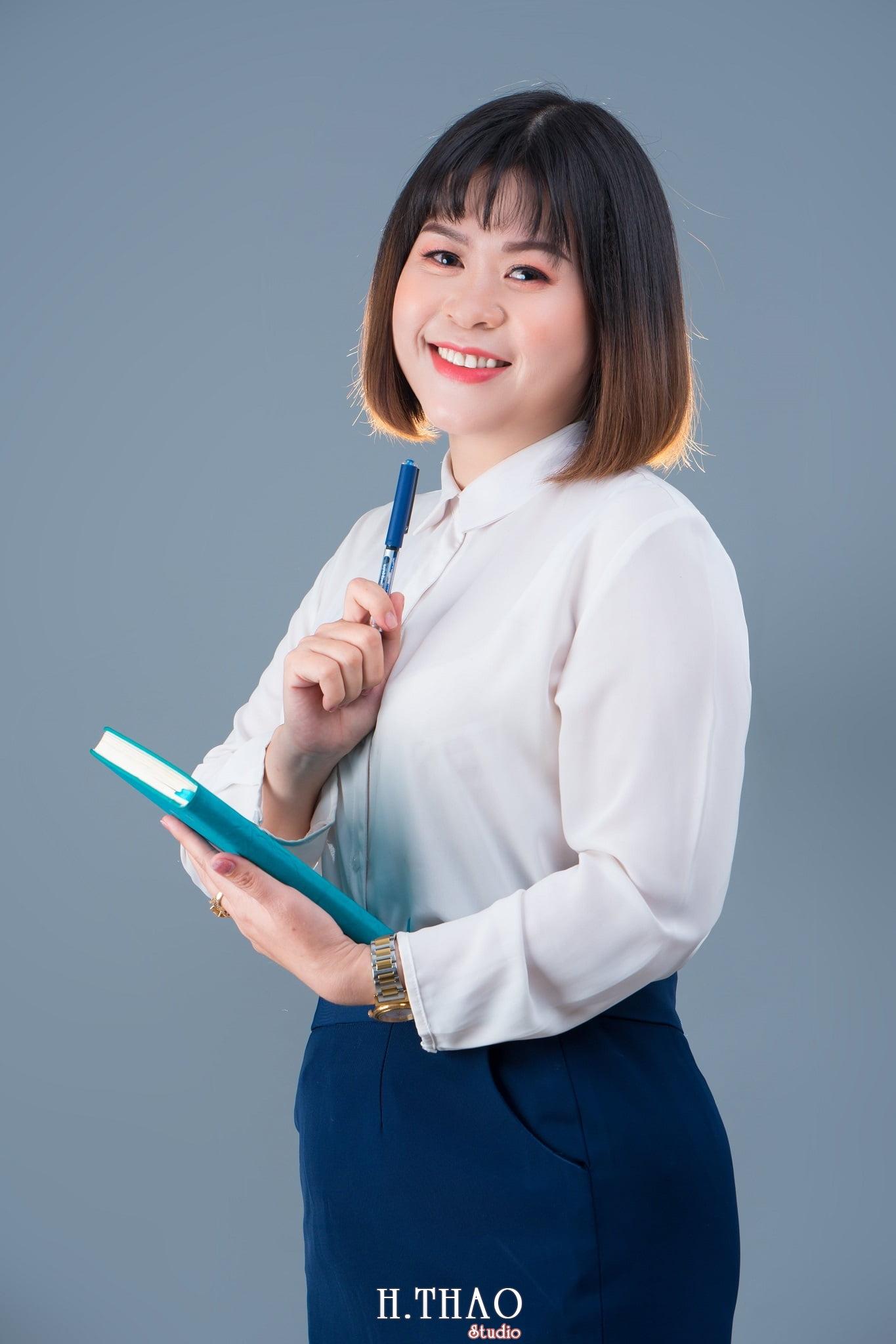 Chi Hoa 9 - Studio chụp ảnh profile cá nhân chuyên nghiệp ở Tp.HCM- HThao Studio