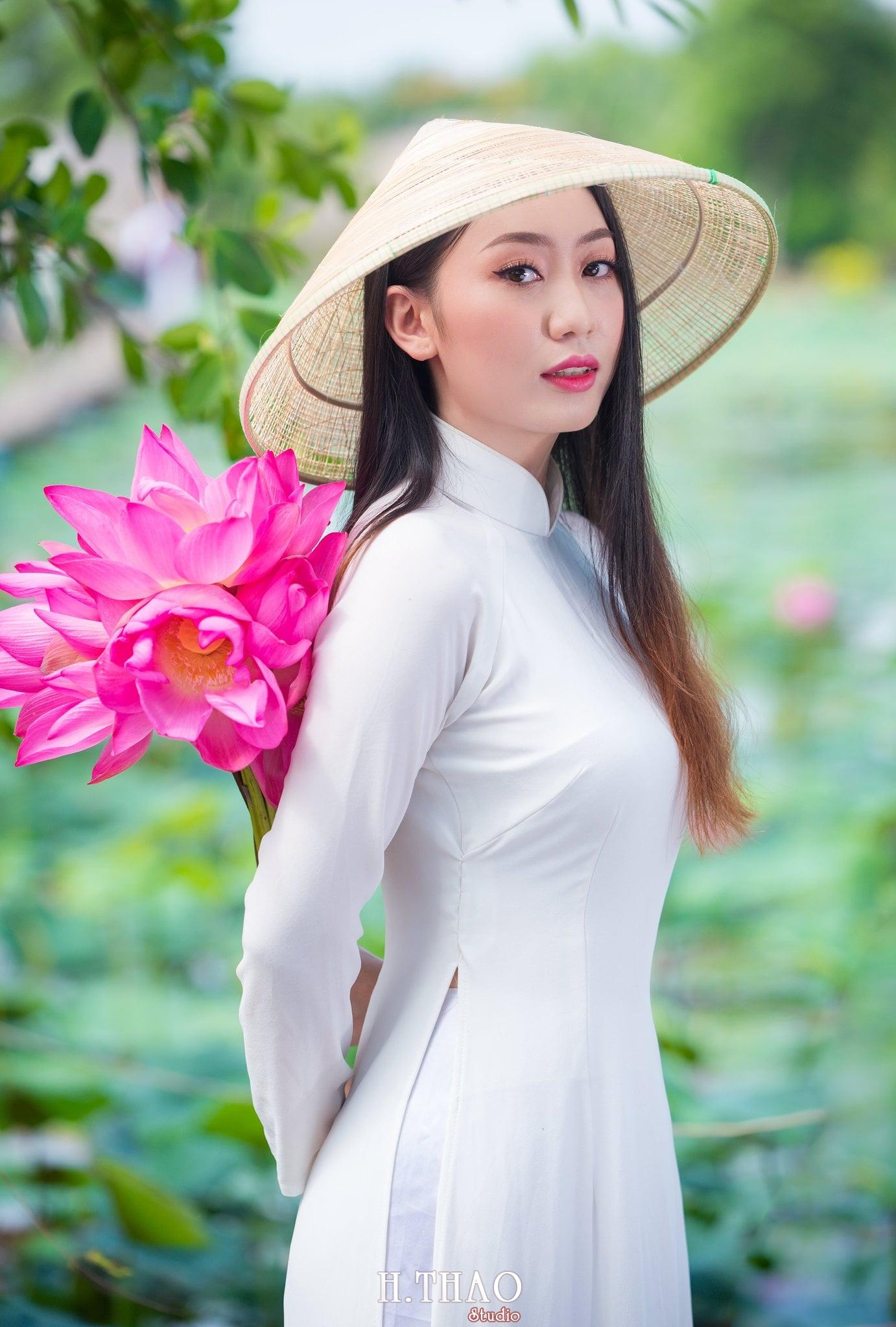 Chup hinh hoa sen 13 - Góc ảnh thiếu nữ bên hoa sen tam đa quận 9 tuyệt đẹp - HThao Studio