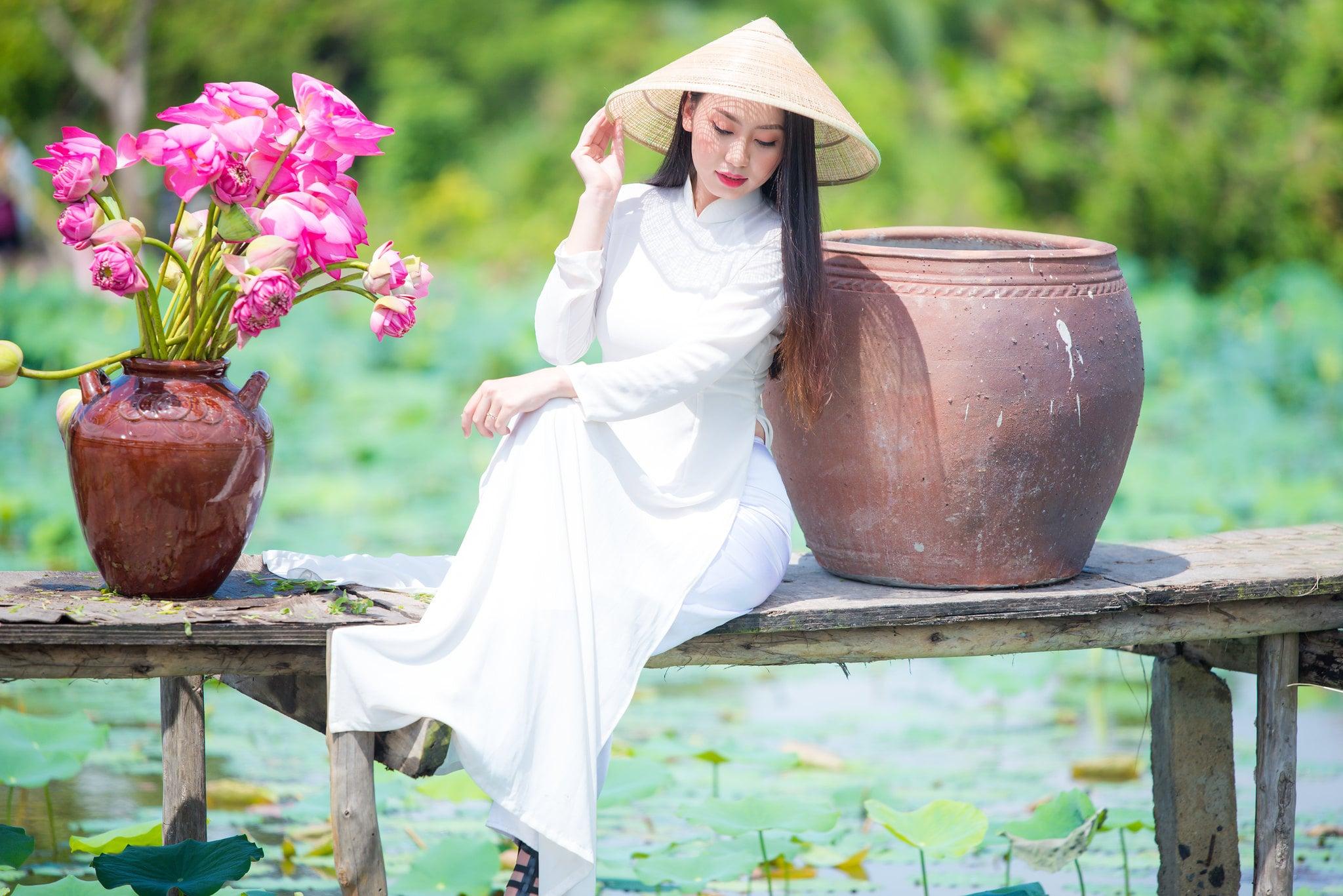Chup hinh hoa sen 16 - Góc ảnh thiếu nữ bên hoa sen tam đa quận 9 tuyệt đẹp - HThao Studio