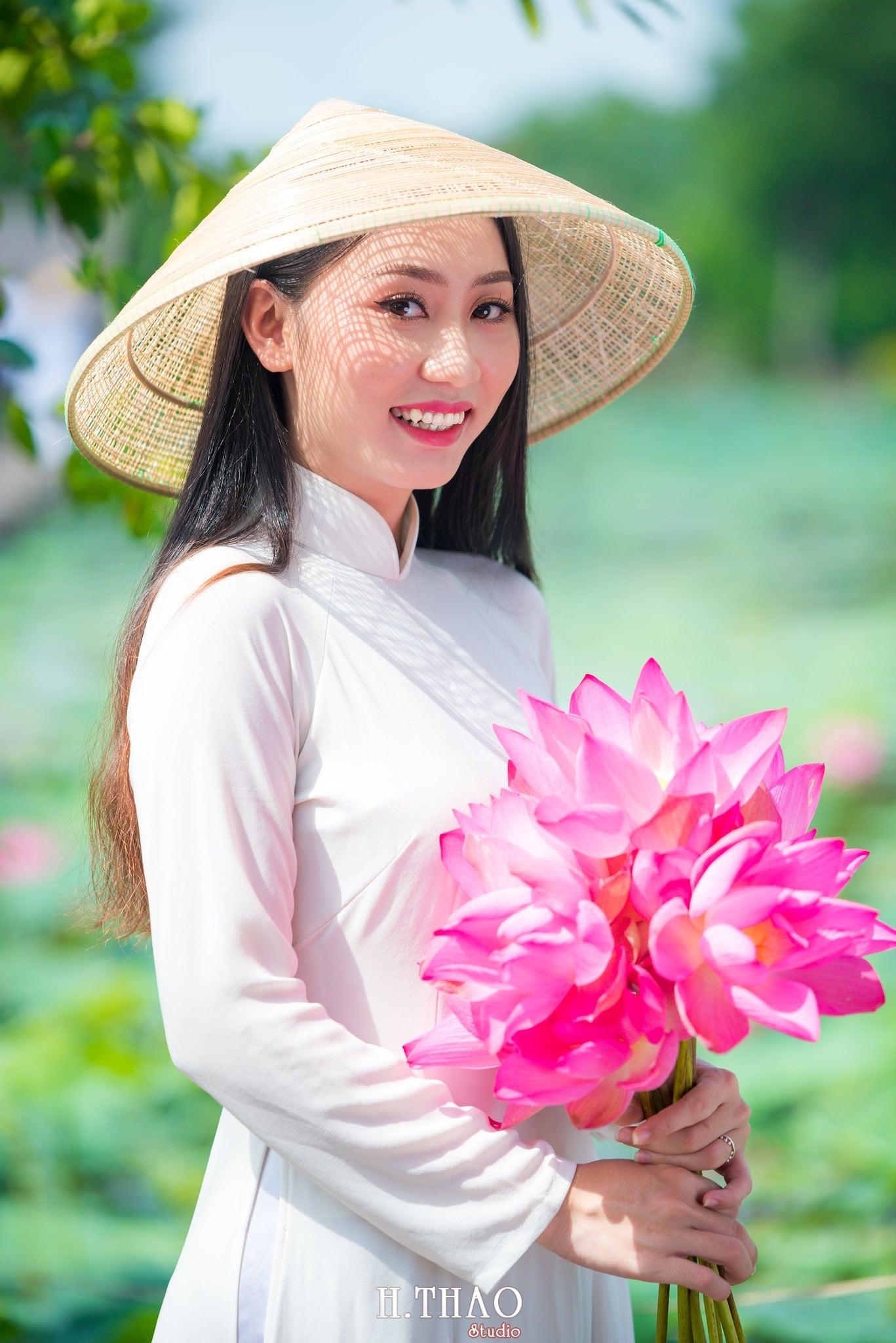 Chup hinh hoa sen 18 - Góc ảnh thiếu nữ bên hoa sen tam đa quận 9 tuyệt đẹp - HThao Studio