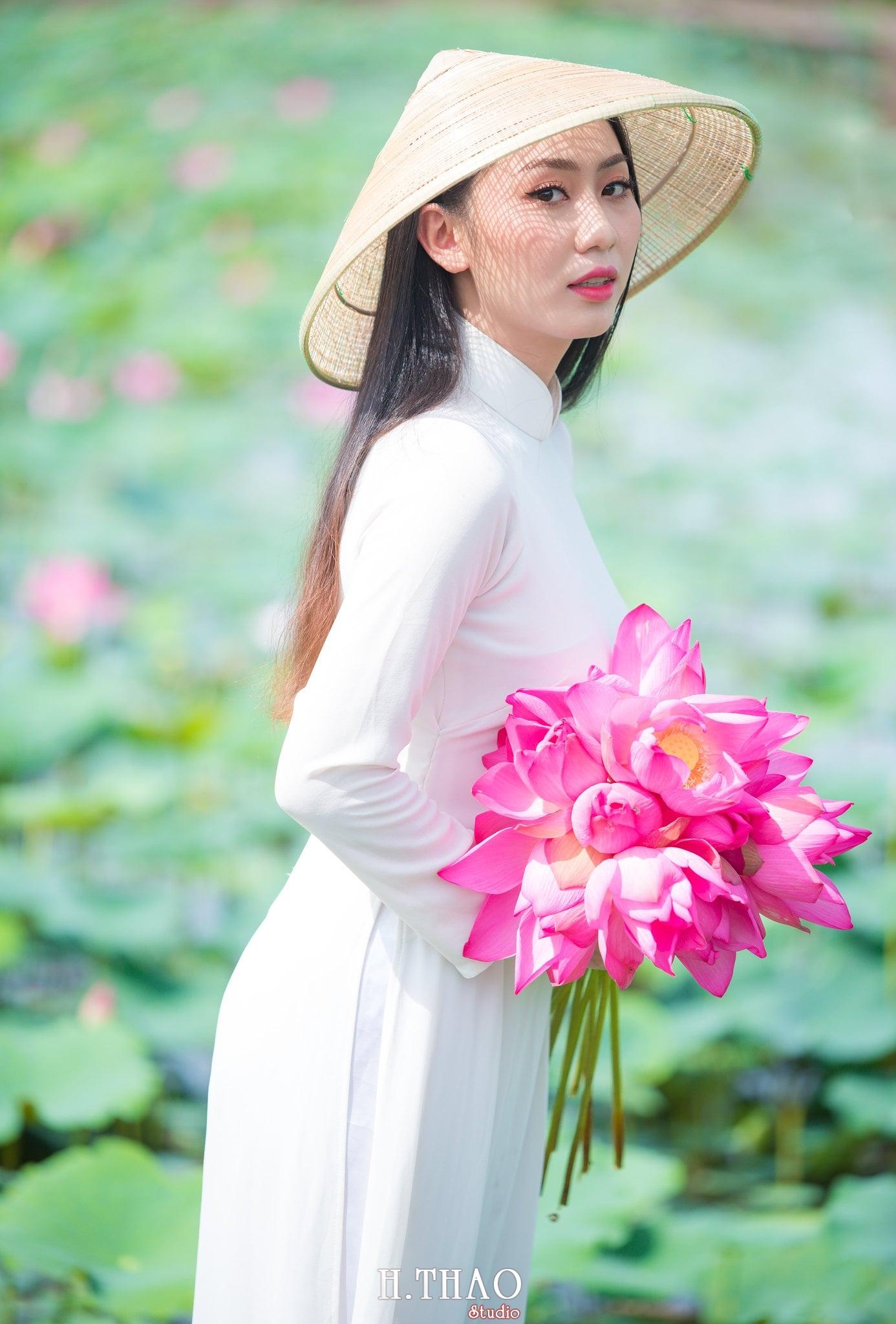 Chup hinh hoa sen 5 - Góc ảnh thiếu nữ bên hoa sen tam đa quận 9 tuyệt đẹp - HThao Studio