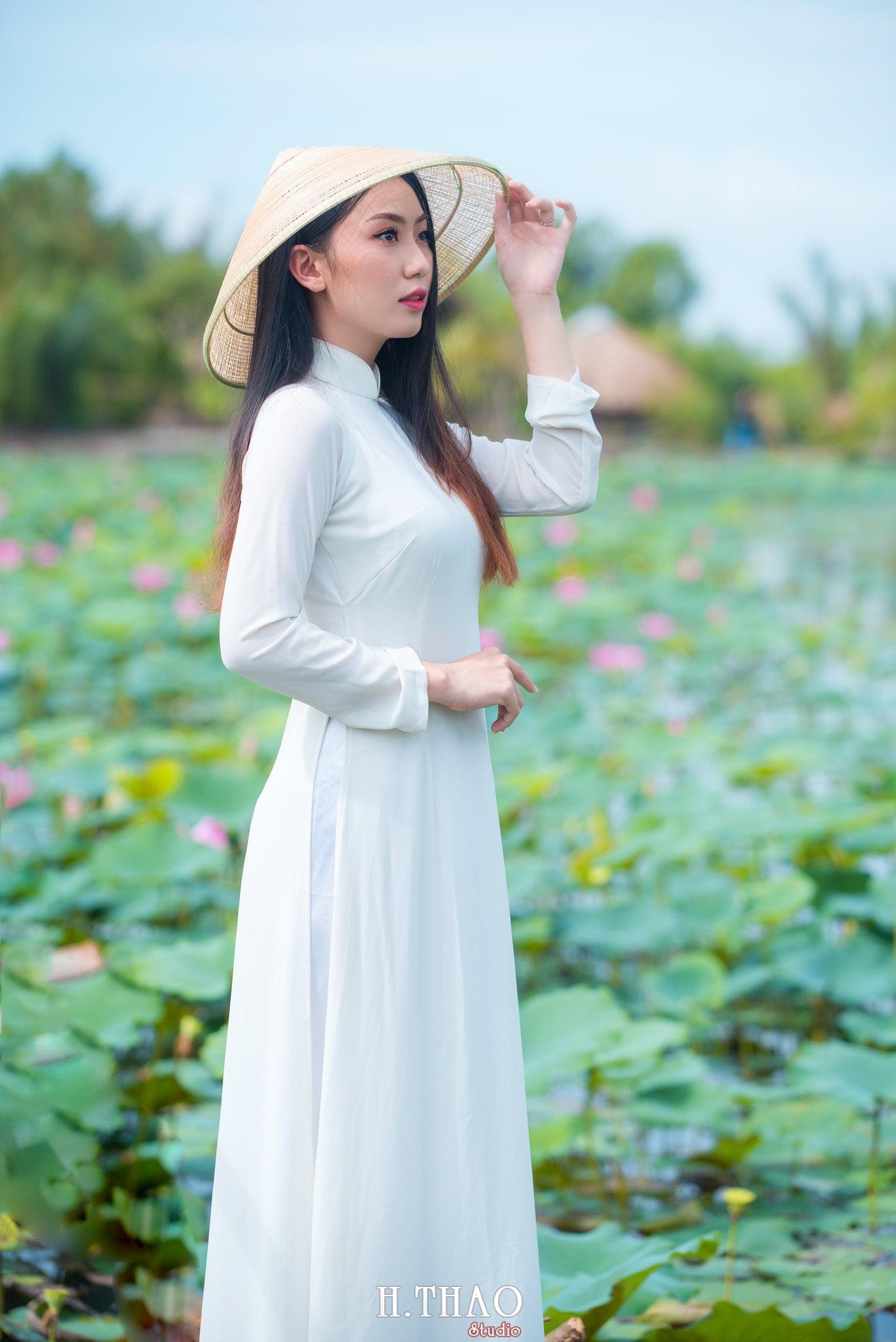 Chup hinh hoa sen 6 - Góc ảnh thiếu nữ bên hoa sen tam đa quận 9 tuyệt đẹp - HThao Studio