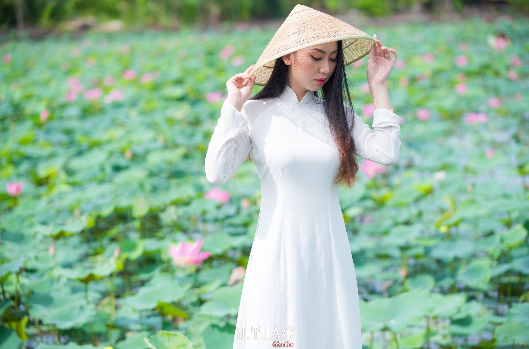 Chup hinh hoa sen 7 - Góc ảnh thiếu nữ bên hoa sen tam đa quận 9 tuyệt đẹp - HThao Studio