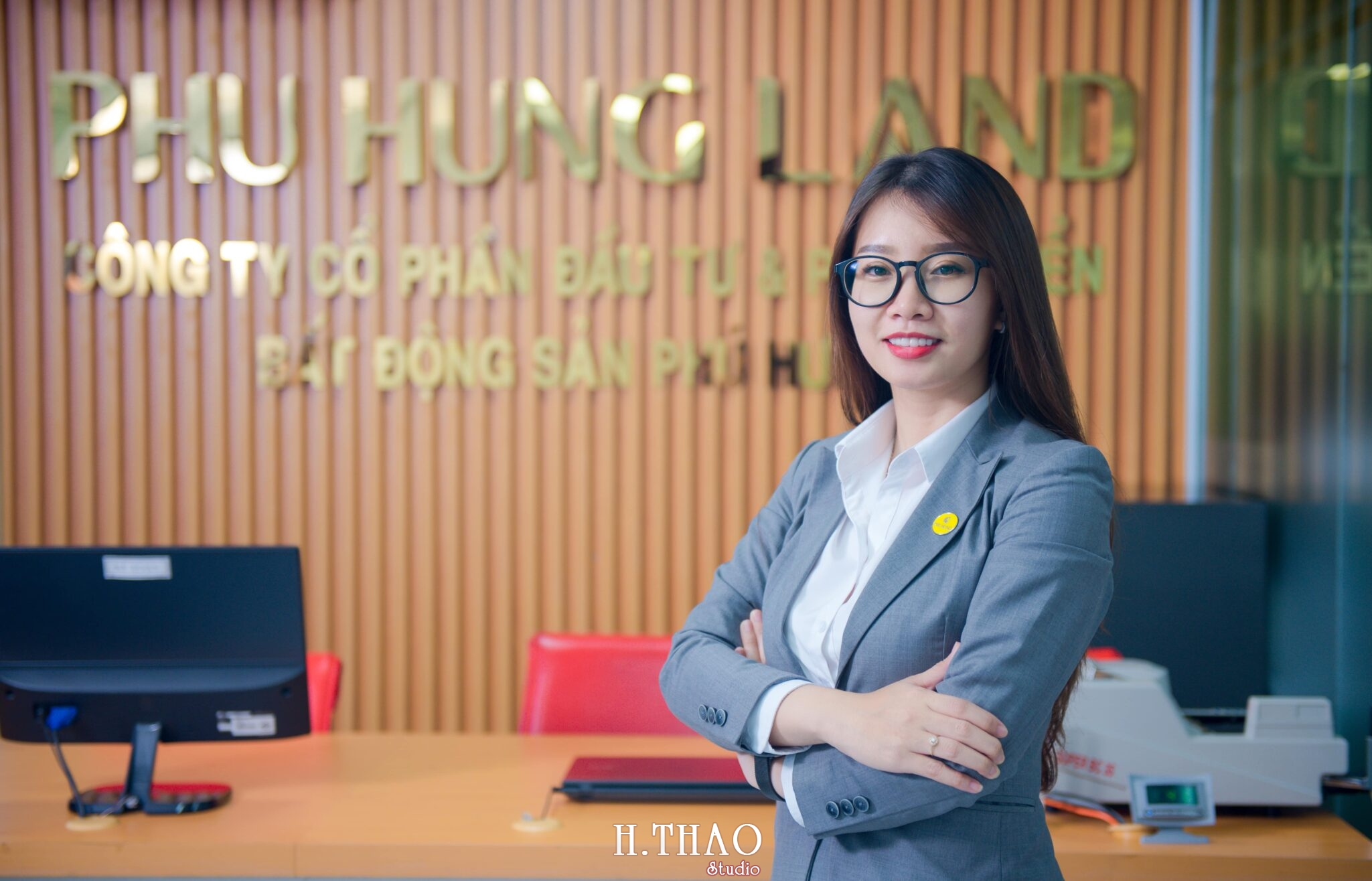 Phu Hung Land 12 scaled - Album ảnh profile nhân sự công ty Phu Hung Land – HThao Studio
