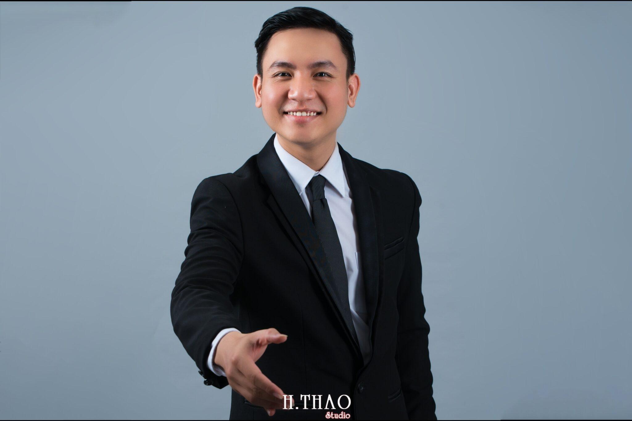 anh profile nam lich lam chuyen nghiep scaled - HThao Studio - Chuyên chụp hình chân dung doanh nhân đẹp ở Tp.HCM
