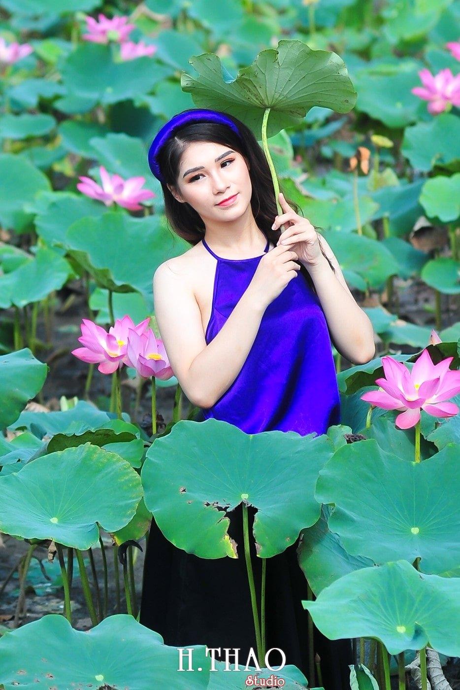 anh sen 10 - Bộ ảnh Sen với áo yếm đẹp nhẹ nhàng - HThao Studio