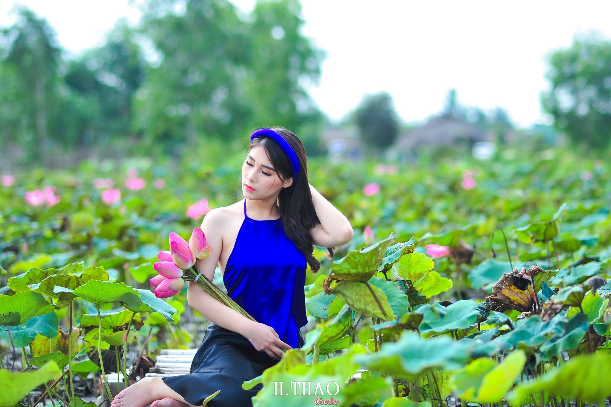 anh sen 4 - Bộ ảnh Sen với áo yếm đẹp nhẹ nhàng - HThao Studio