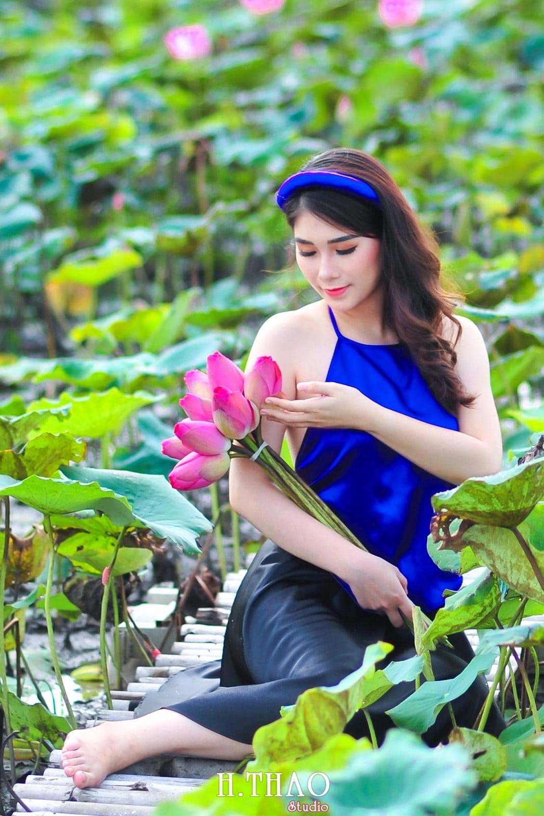 anh sen 5 - Bộ ảnh Sen với áo yếm đẹp nhẹ nhàng - HThao Studio