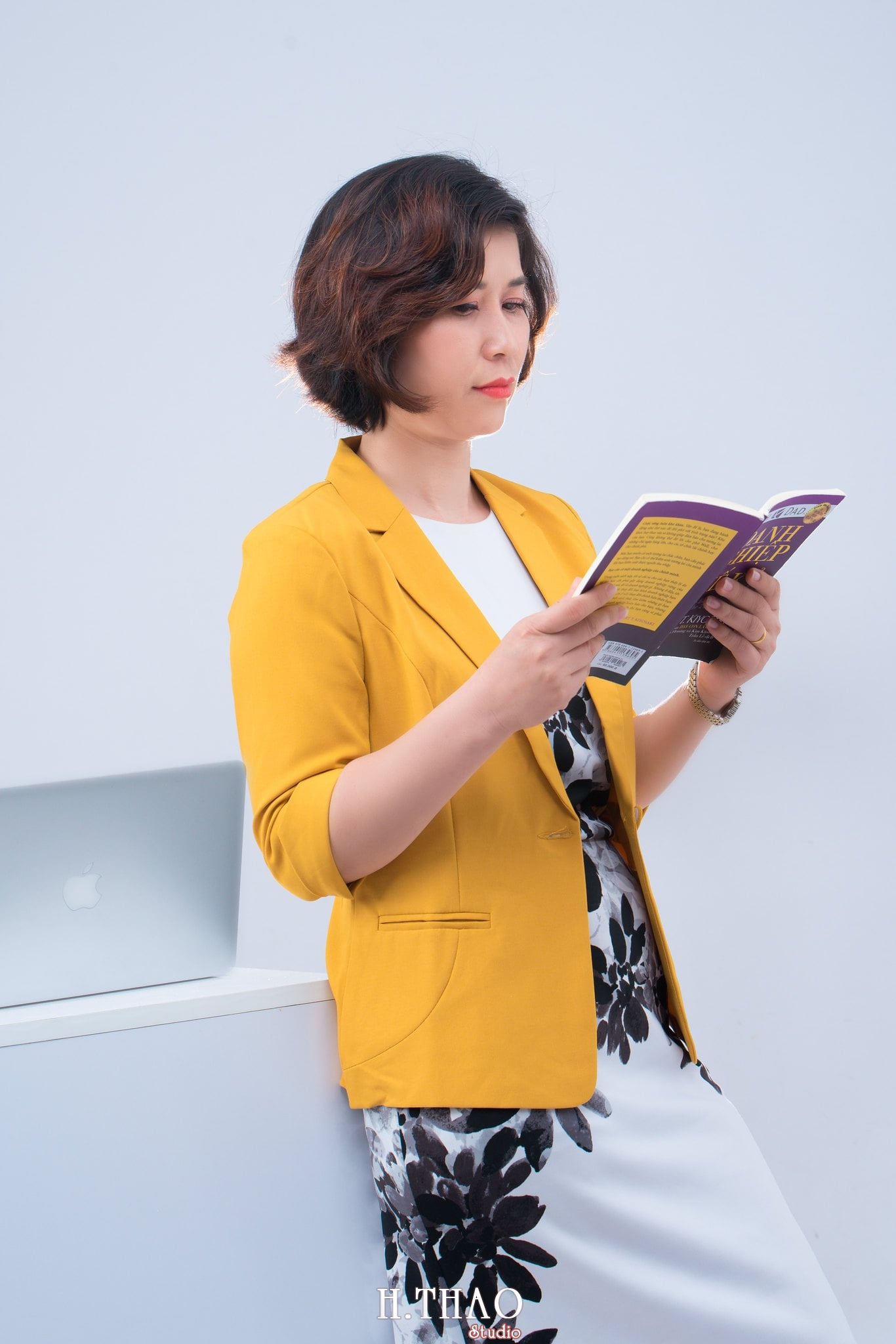 chan dung nu 10 - Album ảnh doanh nhân chị Quỳnh sang trọng, quý phái - HThao Studio