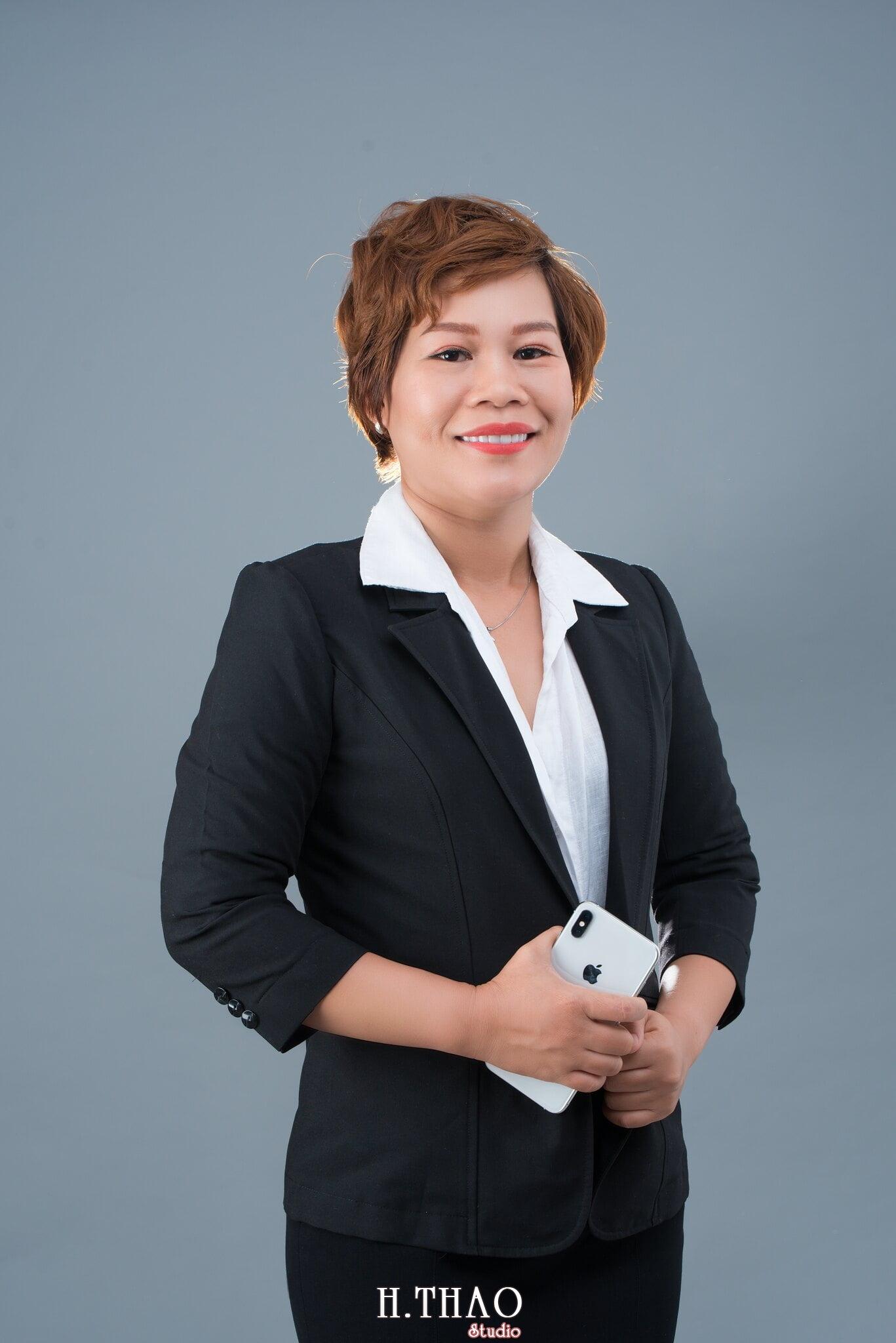 cong ty manulife 10 min - HThao Studio - Chuyên chụp hình chân dung doanh nhân đẹp ở Tp.HCM