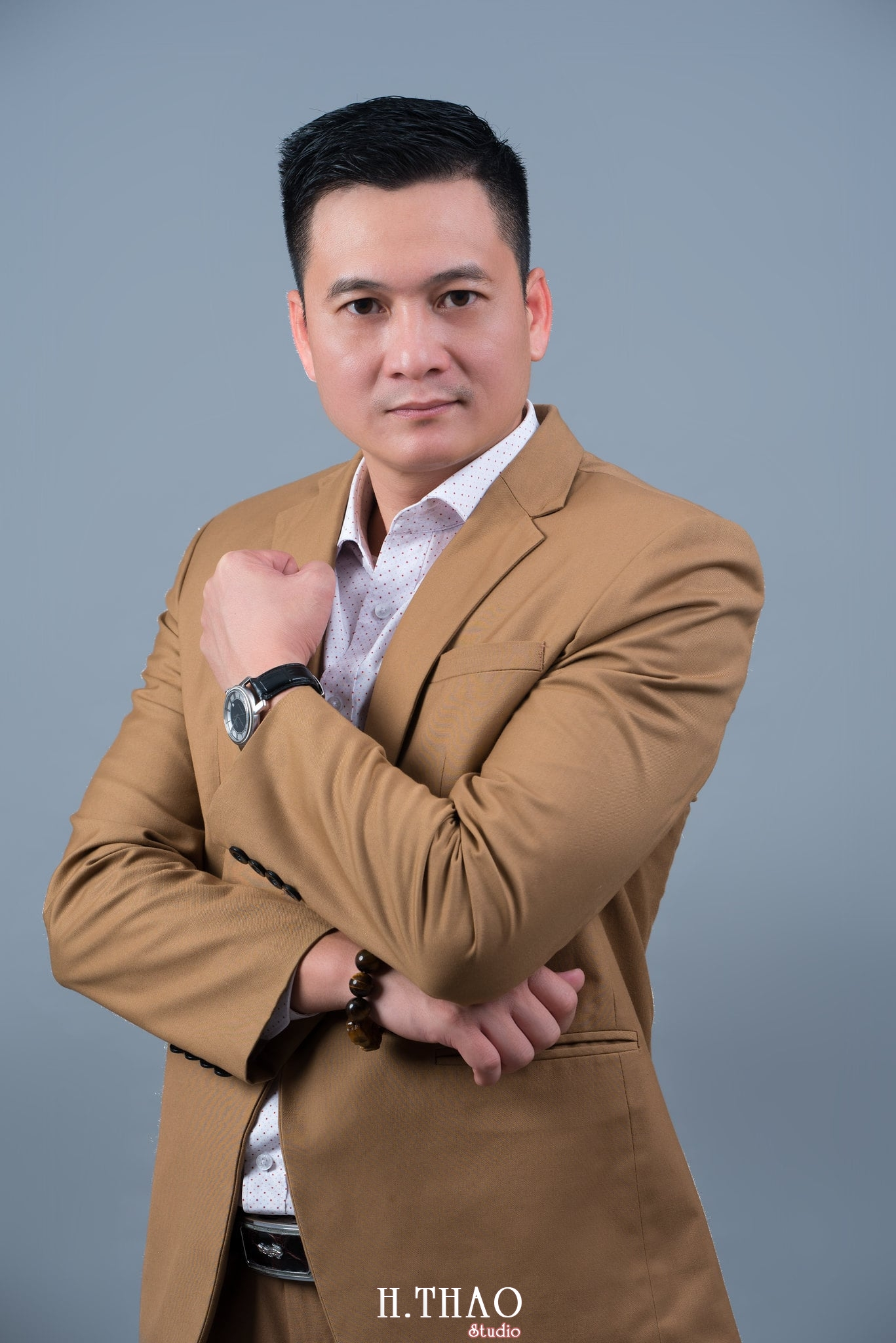 nh doanh nhân nam lịch lãm - Album ảnh chuẩn phong cách doanh nhân Hưng Nguyễn - HThao Studio