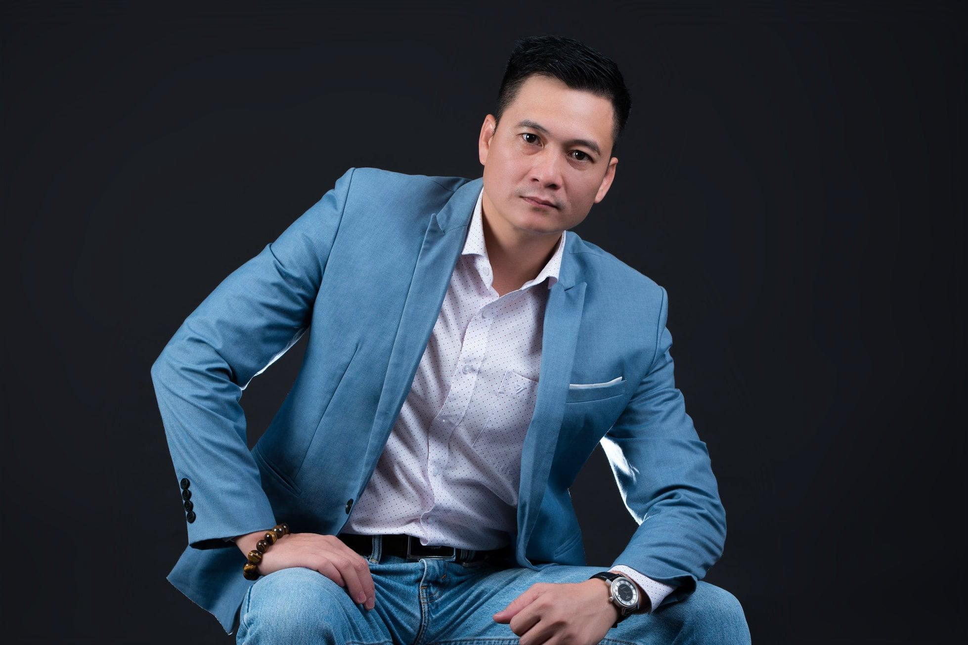 nh nam doanh nhân phong cách chuyên nghiệp - Studio chuyên chụp ảnh chân dung doanh nhân tại Tp.HCM- HThaoStudio