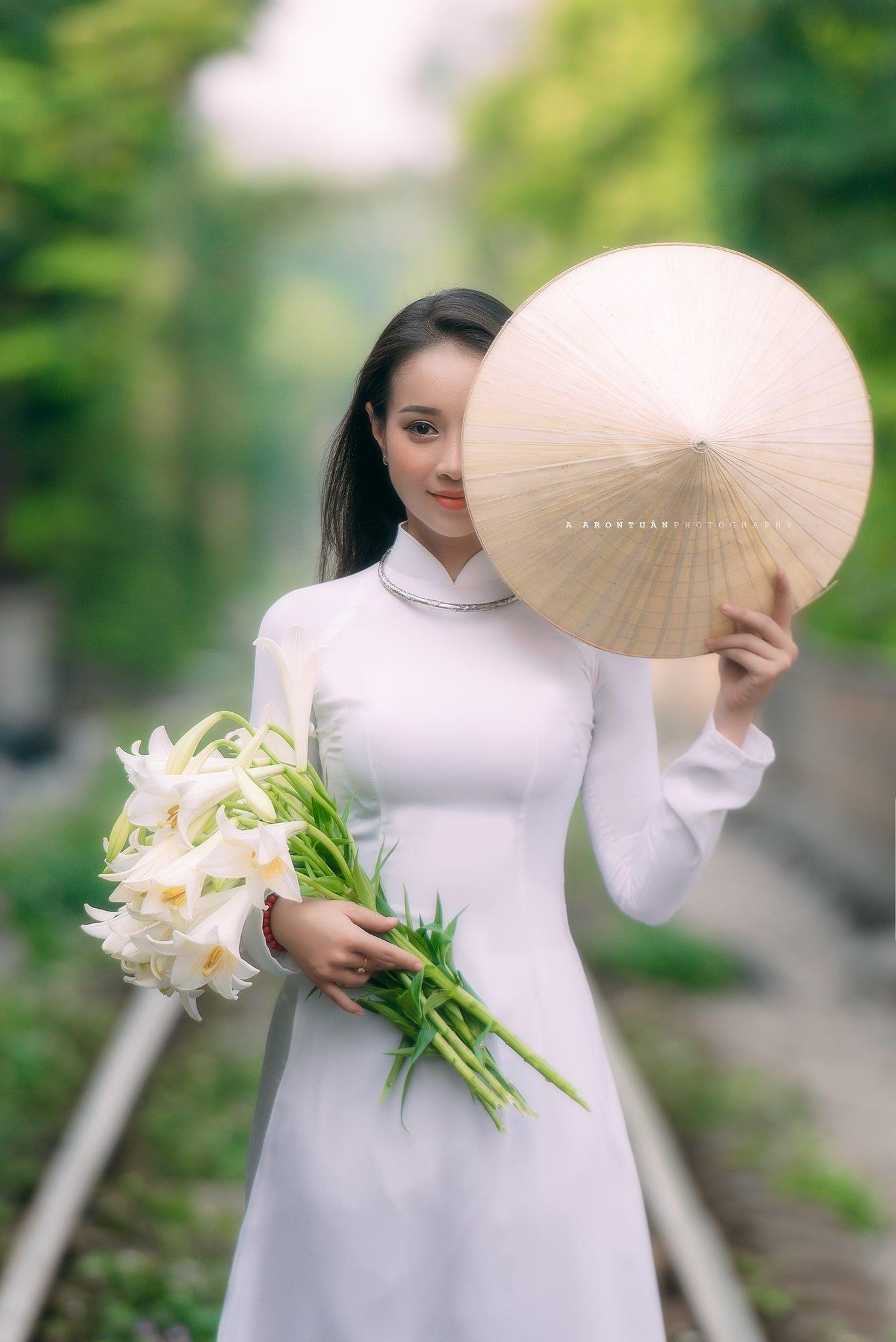 áo dài hoa loa kèn