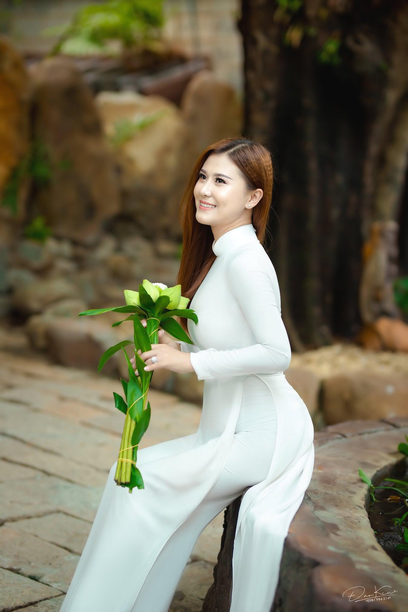 Ha My ao dai 4 min - Album ảnh áo dài thướt tha Hà My- HThao Studio
